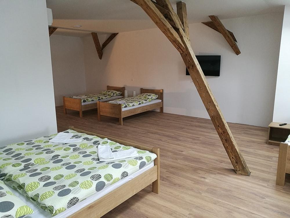 famely-room
